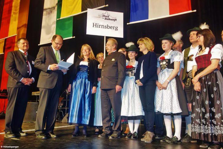 """Verleihung der Gold Medaille für die Gemeinde Bad Endorf Gemeindeteil Hirnsdorf beim Wettbewerb """"Unser Dorf hat Zukunft"""" auf der grünen Woche in Berlin."""
