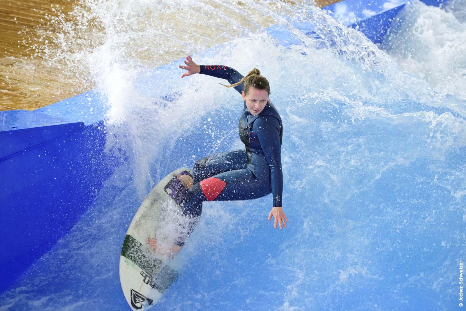 Surfen in der Jochen Schweizer Arena