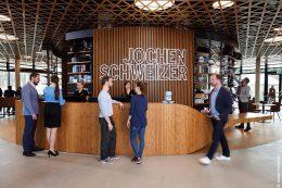 Welcome Desk der Jochen Schweizer Arena