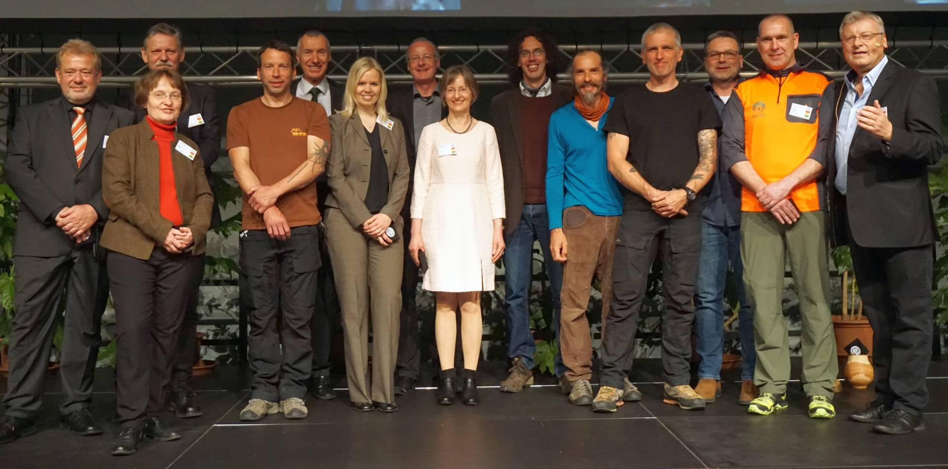 Der Fachbeirat der Deutschen Baumpflegetage mit dem Veranstalter Prof. Dr. Dirk Dujesiefken (ganz rechts) Foto: Kottich