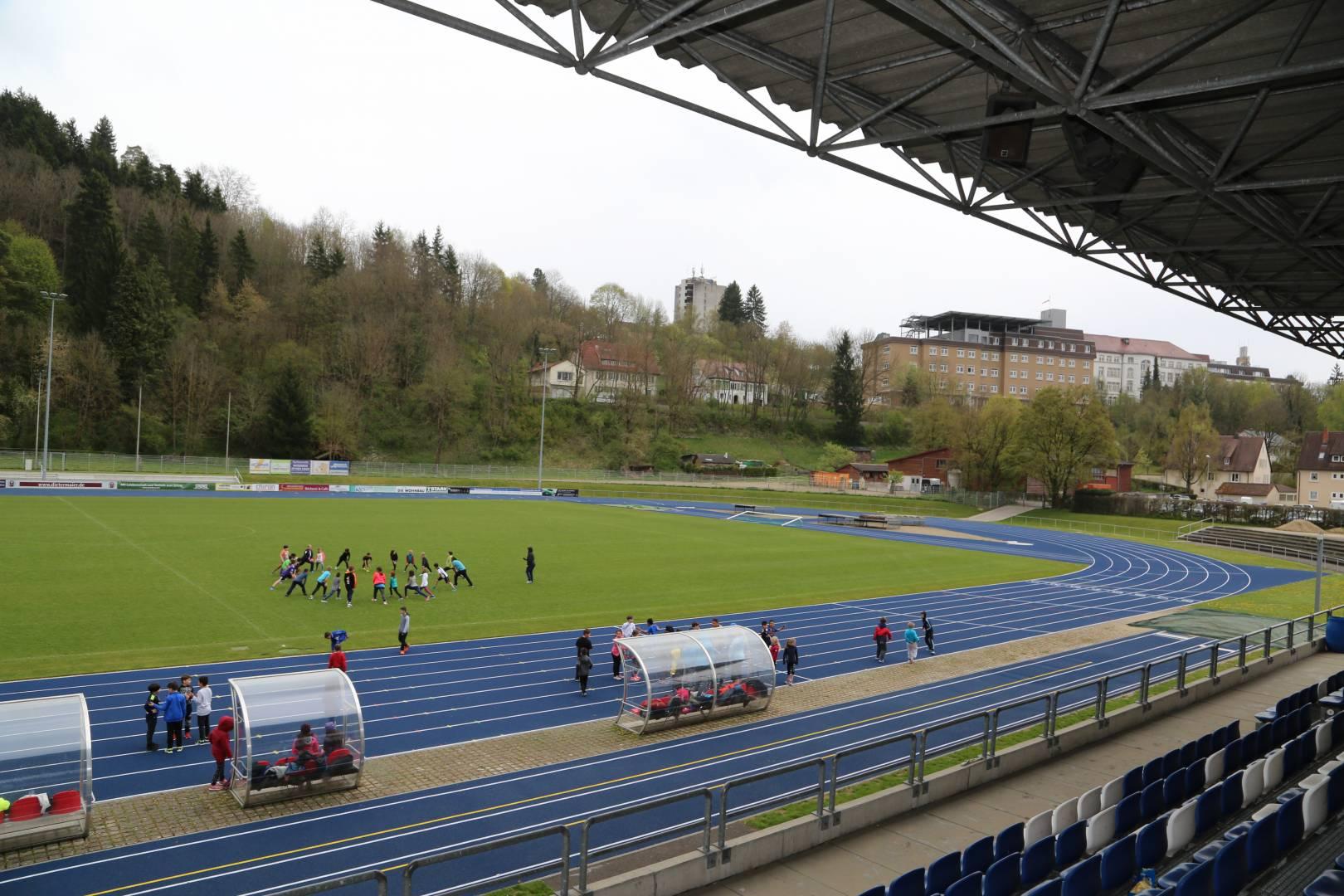 Das von Kutter neu aufgebaute Donaustadion in Tuttlingen war Kulisse des Kutter Rasentags. Foto: Kutter Landschafts- und Sportplatzbau