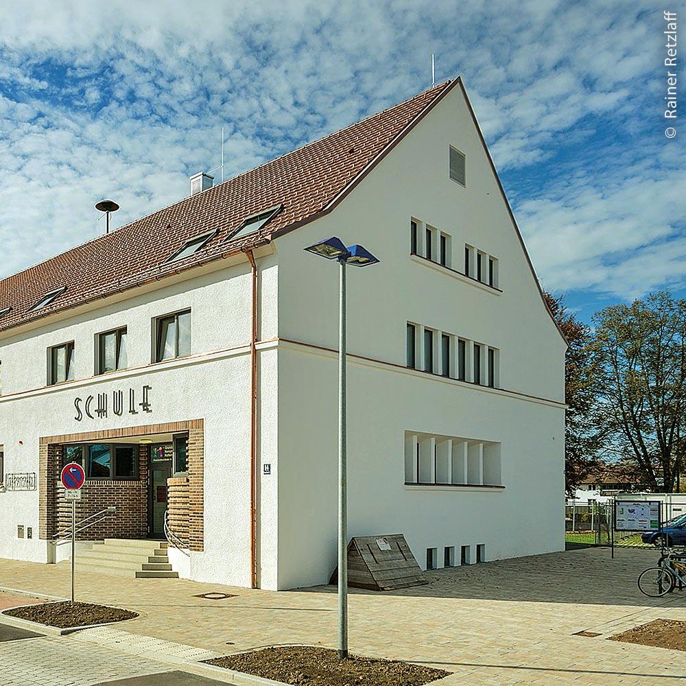 Grundschule Kottern-Eich – die Sanierung mit Passivhauskomponenten und ein Anbau im Passivhausstandard stammt von den F 64 Architekten.