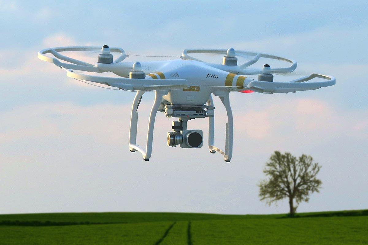 """Samt geeigneter Messintrumente ist der """"Flying Surveyor"""" einsatzbereit."""