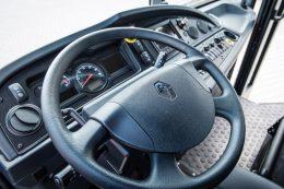 Innenansicht D ACCESS Renault Truck Müllsammelfahrzeug