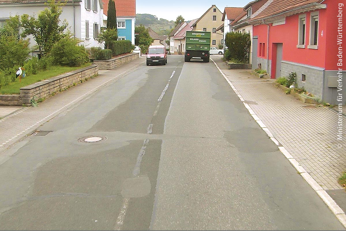 Die über mehrere Jahre vorgenommenen punktuellen Sanierungsarbeiten auf der B 292 in Boxberg (Gemeinde Schweigern) im Main-Tauber-Kreis haben einige Unebenheiten hinterlassen.