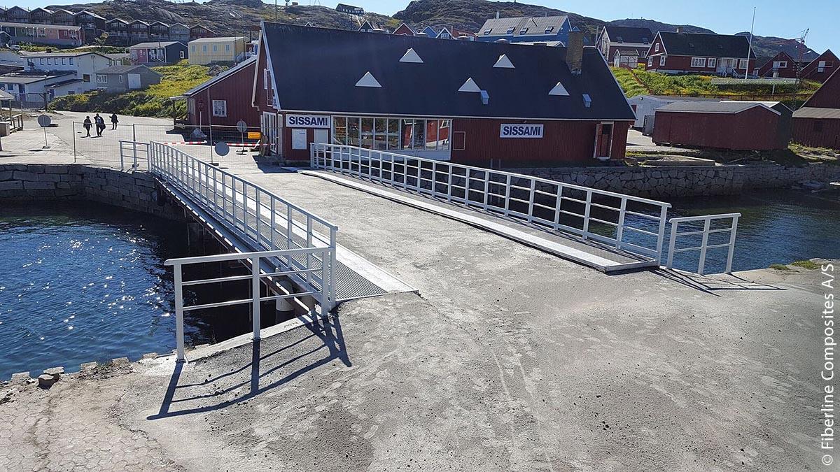 Grönlands erste GFK-Brücke mit einer Tragfähigkeit von 60 Tonnen