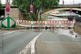 Überflutungen Straßenunterführung eine überflutete Unterfrührung