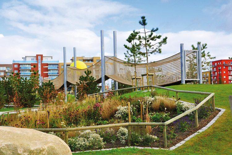 HUCK Seiltechnik Hersteller von Spiellandschaften und Kletteranlagen, bietet sich als Partner für Architekten an.