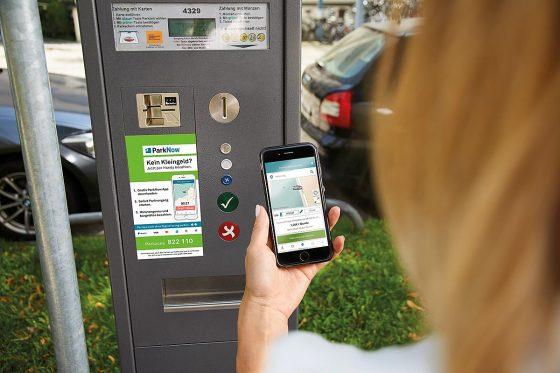 ParkNow ermöglicht Bürgern und Gästen ein einfaches und stressfreies Parken, denn der Weg zum Parkscheinautomaten, die Suche nach Kleingeld und das lästige Ticketziehen entfallen.