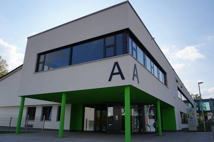 Neue Lüftung: Die Kurt-von-Marval-Schule besteht seit 2016 aus sanierten und neu errichteten Gebäudeteilen – eine Herausforderung für die Belüftung der Funktions- und Klassenräume.