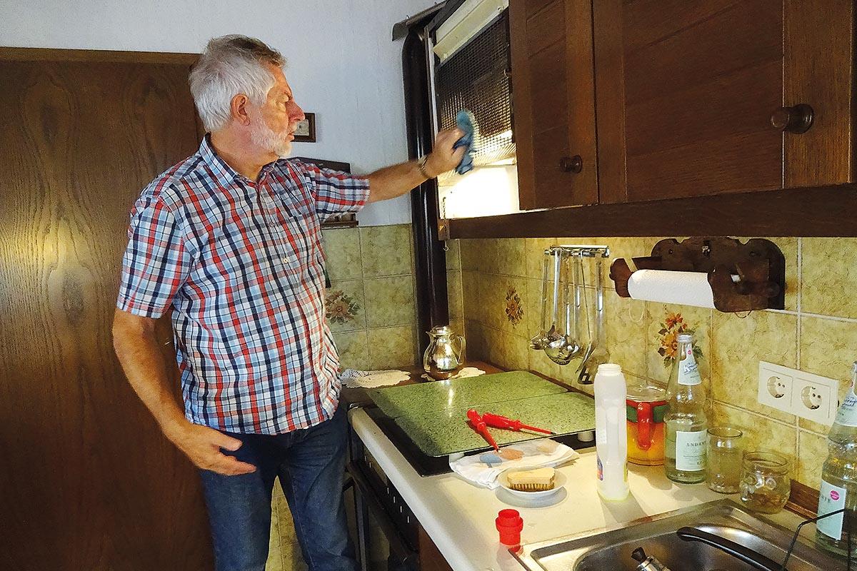 Hilfe bei Reinigung in der Küche