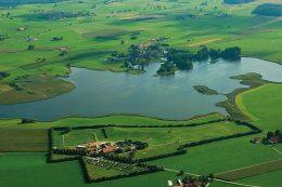 Der großflächige Rohrsee nördlich von Wolfegg liegt südlich von Bad Wurzach und ist ein Vogelschutzgebiet mit europäischer Bedeutung und daher geschützt.