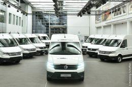 Praxiseinsatz des Elektro-Transporters läuft an. Erste e-Crafter in Kundenhand