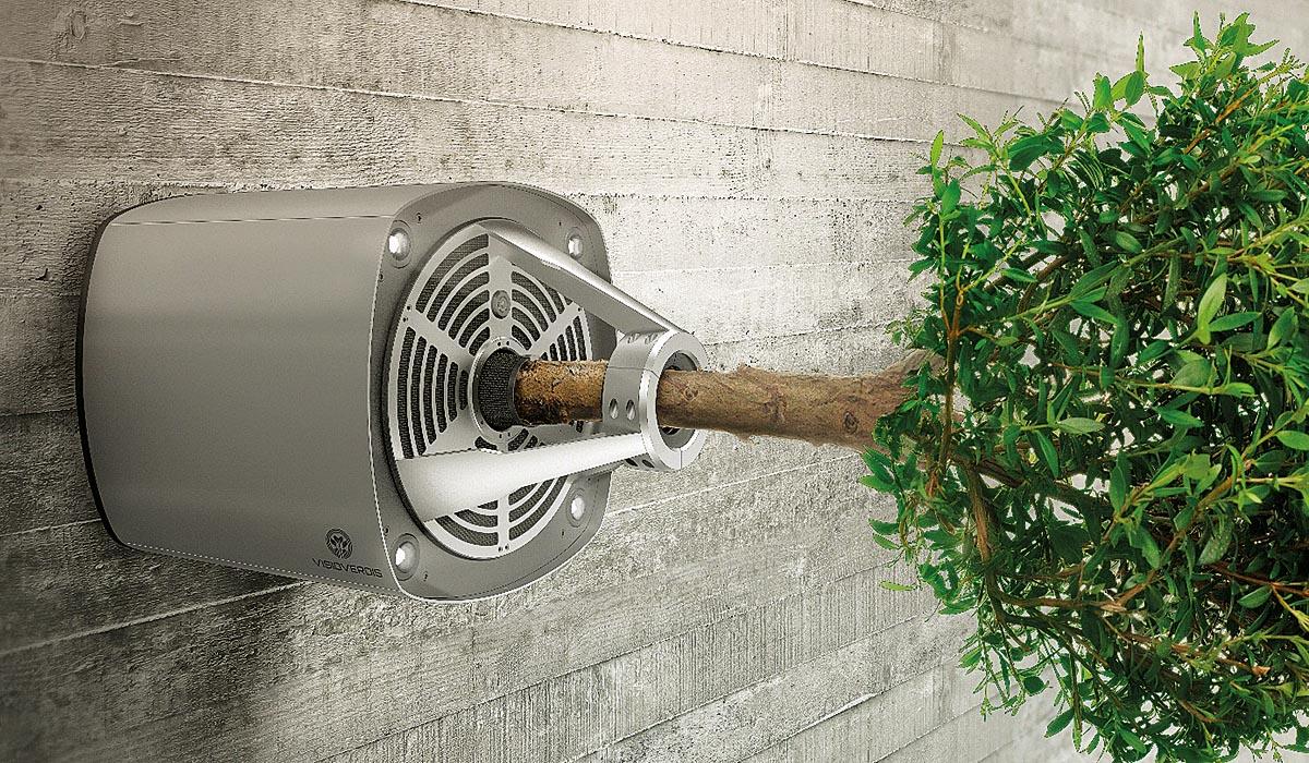 Der GraviPlant ist ein High-Tech Langzeit Pflanzenversorgungssystem, das es erlaubt, Bäume in neue Lebensräume zu bringen. Er kann an bereits bestehende Fassaden angebracht oder in neu gebaute Fassaden integriert werden. Auch die Kombination mit wandnahen Fassadenbegrünungssystemen ist möglich.