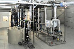 Die gesamte Grünbeck-Anlage wurde im Werk passgenau geplant, vormontiert und danach am eigentlichen Aufstellort in Solms installiert.