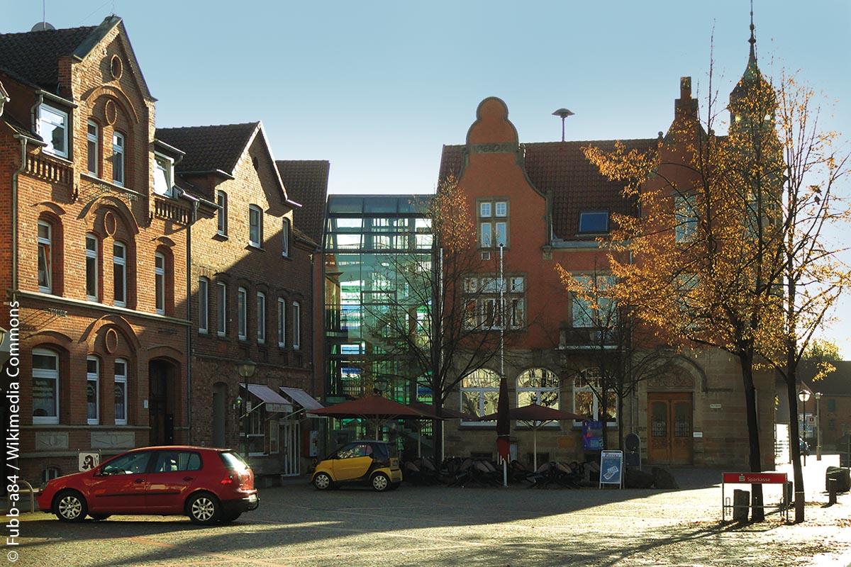 Rathaus am Marktplatz von Hessisch Oldendorf: Die rund 18.500 Einwohner zählende Stadt im südlichen Niedersachsen setzt auf ein integriertes DATEV-System aus den Lösungen für Finanzwesen und Dokumentenmanagement.