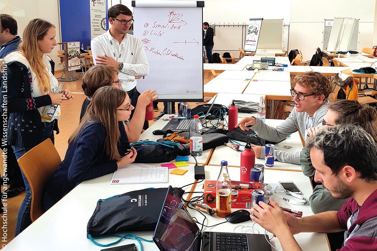 Im IoT-Innovationslabor haben die Studierenden den Raum für digitale Kommunikationsexperimente, den sie brauchen, um sich und die Technik weiterzuentwickeln.