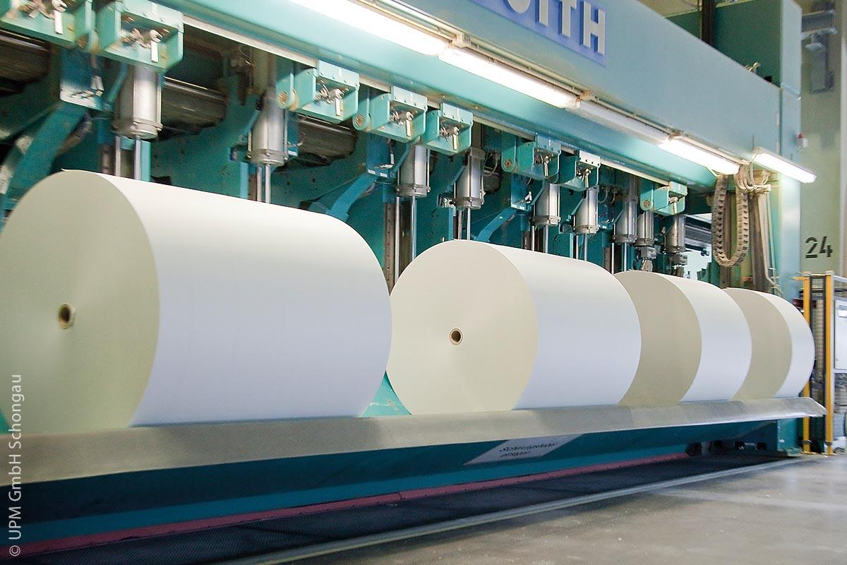 Papierherstellung bei der UPM GmbH im Werk Schongau