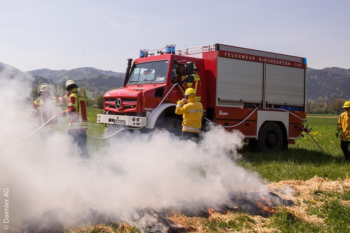 Der Unimog U 5023 TLF 4000 ermöglicht als zum Tanklöschfahrzeug umgebauter Geräteträger von Ziegler die professionelle Bekämpfung von Vegetationsbränden auch in schwierigem Gelände.