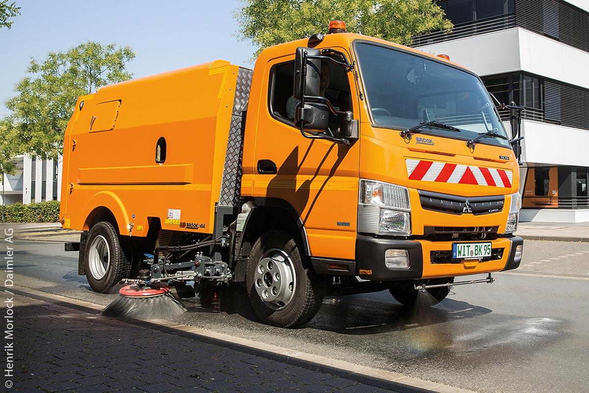 Der FUSO Canter TF mit dem Kehrmaschinen-Upgrade 7C15 von BROCK Kehrtechnik