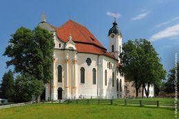 """Die Wieskirche in Steingaden: 1983 wurde """"die Wies"""" zum UNESCO-Weltkulturerbe ernannt."""