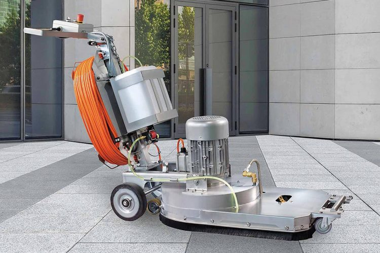 Für stark beanspruchte und oft sehr verwinkelte Flächen ist das Steamcat von ZAUGG wie geschaffen, es reinigt effektiv und trotzdem schonend.
