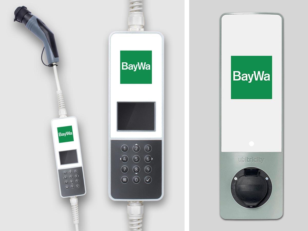 Das SmartCable (beide Bilder links) ist das intelligente Ladekabel für das Elektrofahrzeug von StreetScooter. Das Kabel beinhaltet einen mobilen, eichrechtskonformen Stromzähler und verfügt über eine Mobilfunkanbindung. Dies ermöglicht eine kilo¬wattstundengenaue Erfassung der geladenen Energie. Das SimpleSocket (rechts im Bild) ist der persönliche Ladepunkt, der auch ohne separatem Zähler mit einer Ladeleistung von bis zu 11 kW angebracht werden kann. Nach erfolgtem Pre-Check und Beauftragung der Ins¬tallation wird das SimpleSocket vom BayWa-Installationspartner in Betrieb genommen und kann anschließend direkt mit dem SmartCable geladen werden.