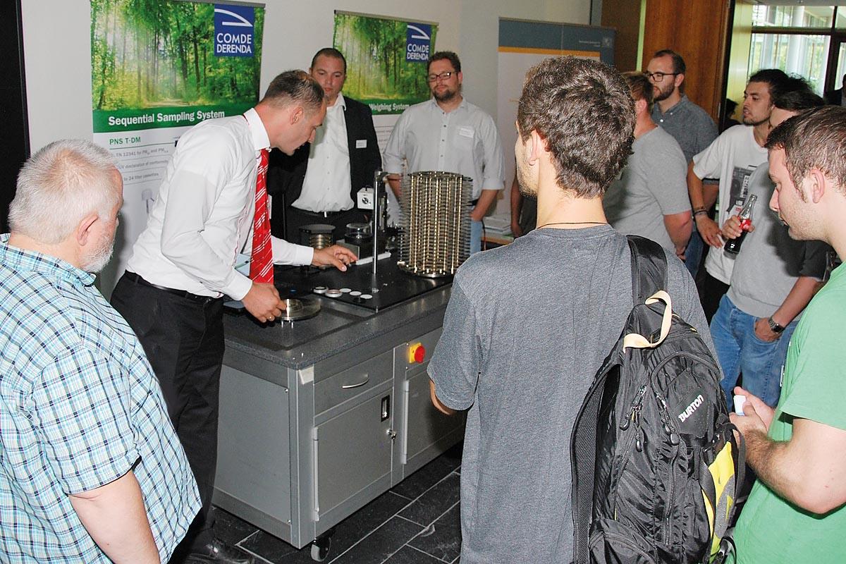 Die Ausstellung mit aktueller Umwelttechnik begleitet das Programm.