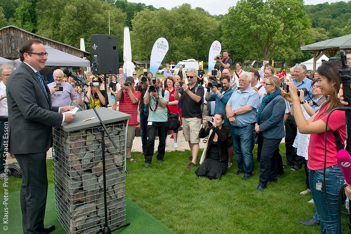 23. Mai 2017: Oberbürgermeister Thomas Kufen eröffnet offiziell die Badesaison an der Ruhr.