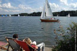 Seefest 2010: Segelboote am Baldeneysee – erst seit wenigen Jahren darf man wieder in der Ruhr schwimmen gehen.