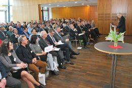 Publikumsmagnet und Branchentreff: Die Bayerischen Abfall- und Deponietage ziehen jährlich rund 400 Teilnehmer nach Augsburg.