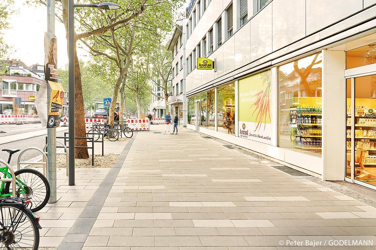 Die Innenstadtbereiche von Mainz sollen durch attraktive Fußgängerwege mit kleineren Platzanlagen und sicheren Straßenquerungen besser miteinander verbunden und insgesamt aufgewertet werden.