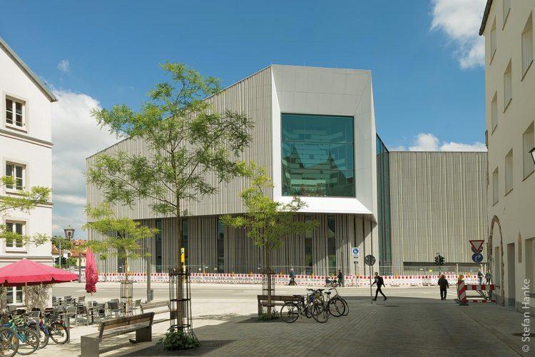 Nach nur vier Jahren Bauzeit eröffnete das Haus der Bayerischen Geschichte in Regensburg.