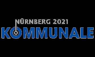 Das Messelogo der Fachmesse Kommunale Nürnberg 2021 besteht aus zwei Schriftzügen Nürnberg 2021 in grauer Schrift und Kommunale in dunkelblauer Schrift steht darunter.