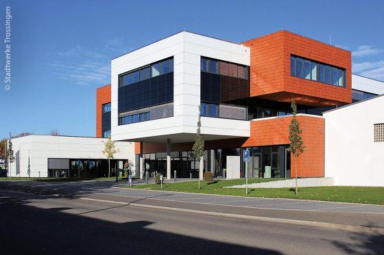 Der Neubau der Stadtwerke Trossingen wurde 2018 eröffnet. Er integriert gleichermaßen historische Bausubstanz und moderne Architektur.