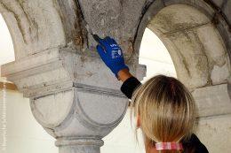 Auch Fassadenreparaturen und -reinigungen gehörten zu den Aufgaben der Restauratoren.