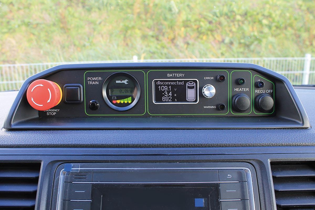 Das Armaturenbrett des VW T6 Elektro