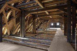 Die Dachkonstruktion des Rathauses in Sommerhausen wurde fachmännisch restauriert.