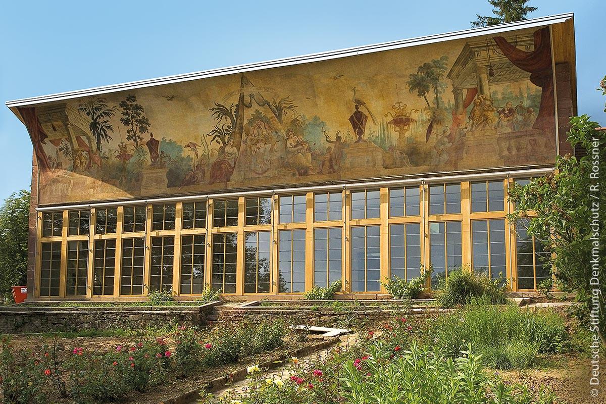 Die Orangerie des Klosters Bronnbach – heute ein attraktiver Tagungsort – ist ein gutes Beispiel für frühe kluge energetische Ausrichtung historischer Gebäude.