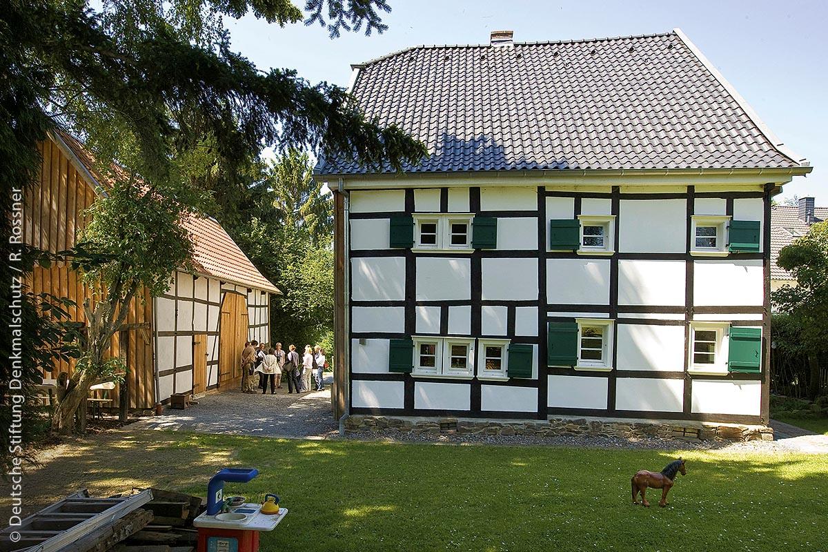 Rückbesinnung auf energetisches Potenzial: Eines der ältesten Fachwerkgehöfte im Kreis Leichlingen (NRW) wurde zukunftstauglich gemacht.