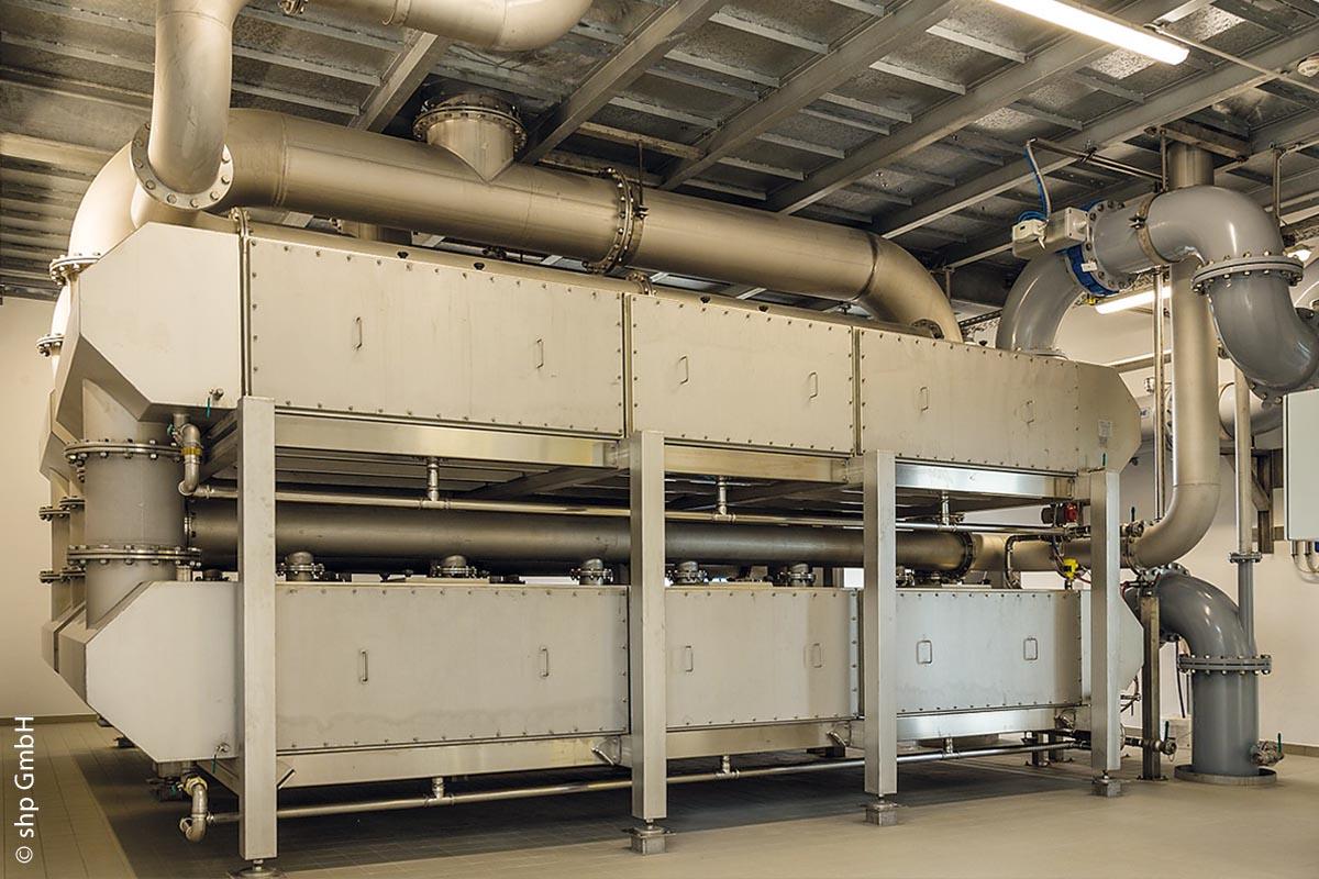 Die Flachbettbelüfter entfernen überschüssige Kohlensäure aus dem Wasser.