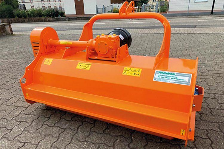 """Das neue Mulchgerät """"Uni-Ketten-Hex"""" von Fehrenbach besitzt ein elastisches, in alle Richtungen nachgebendes Kettenwerkzeug."""