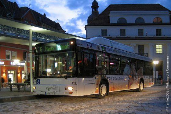 Neben dem Nacht-Anruf-Sammel-Taxi hat der Landkreis Coburg zusätzlich zum öffentlichen Nahverkehr auch noch Rufbusse eingerichtet.