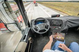 Mercedes-Benz Future Truck 2025 – Autonomes Fahren im Lkw-Fernverkehr mit Hilfe des Assistenzsystems Highway Pilot