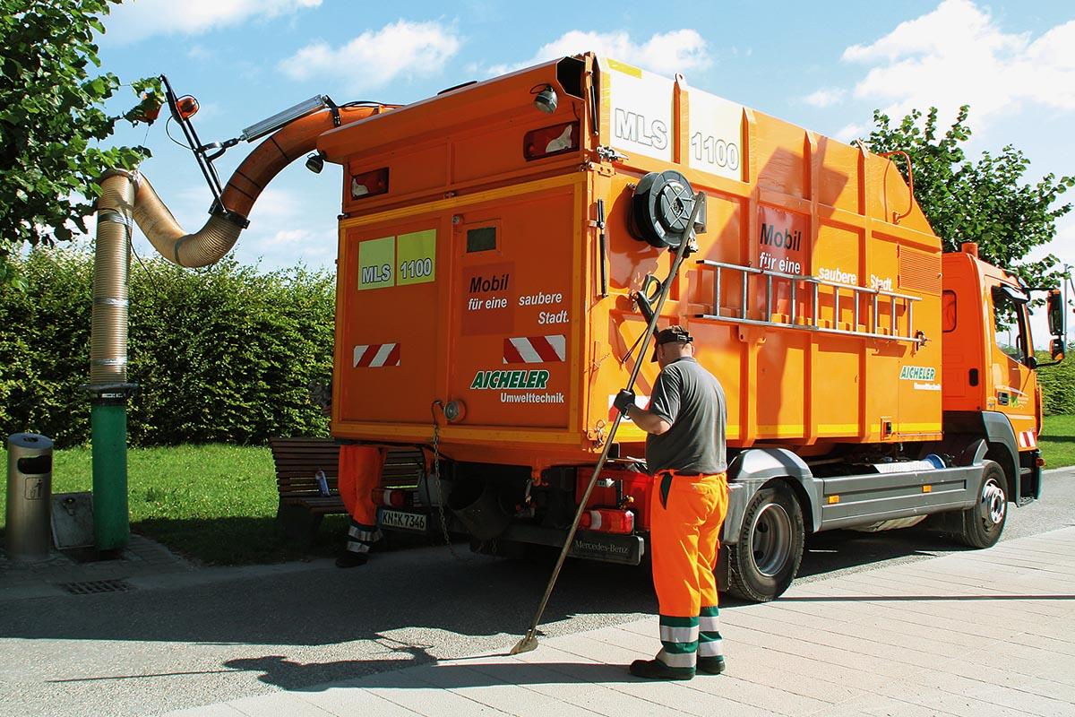 Die Stadt Konstanz hat das System von Aicheler Baumaschinen bereits seit dem Jahr 2010 im Einsatz. Die Technischen Betriebe nutzen es ganzjährig zum Absaugen des Mülls aus Unterflurbehältern und zusätzlich im Herbst, um großen Laubmengen aufzunehmen.