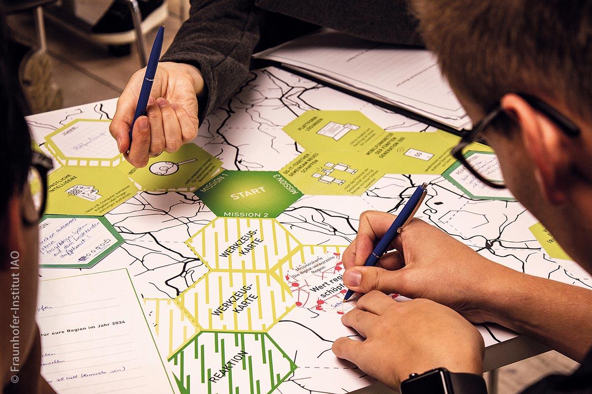 Das Besondere an diesem Pilotprojekt zum Thema Mobilität: Beim Prozess, verschiedene Verkehrsmittel und Mobilitätsformen zu kombinieren, sollen die Perspektiven der Bürger sowie Experten aus Politik und Verwaltung, Unternehmen und Forschung einfließen und in ein ganzheitliches Mobilitätskonzept eingebettet werden.