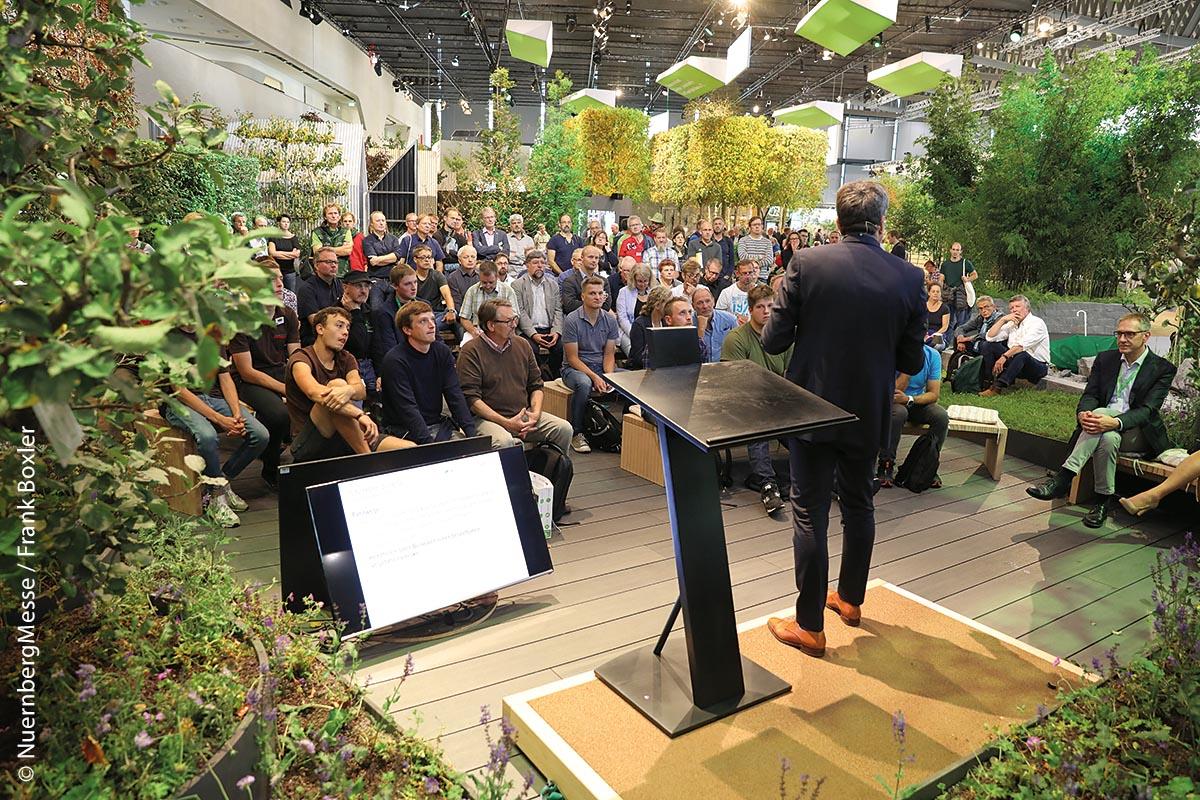 Im GaLaBau-Experten-Forum des Garten[T]Räume-Areals finden informative Vorträge statt.
