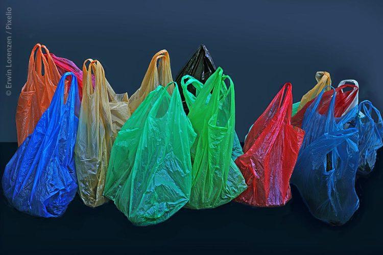 Die Tragetasche aus Kunststoff ist ein Mehrwegprodukt, das zum Transport von Einkäufen mehrmals verwendet werden kann. Wichtig ist daher, dass Kunststofftaschen robust sind.