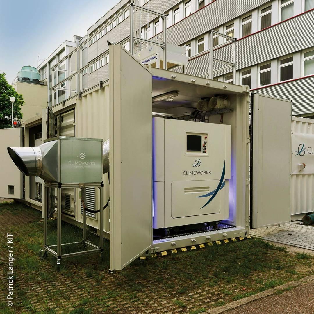 Demonstrationsanlage des Kopernikusprojekts P2X: Weltweit erste integrierte Power-to-Liquid (PtL)-Versuchsanlage zur Synthese von Kraftstoffen aus dem Kohlendioxid der Luft