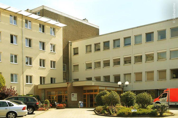Eingangsbereich des Franziskushospitals Aachen der Uniklinik RWTH Aachen